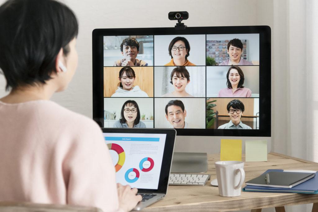 新型コロナがもたらしたオンライン授業。リモート化したコミュニケーションの「笑い」とは?