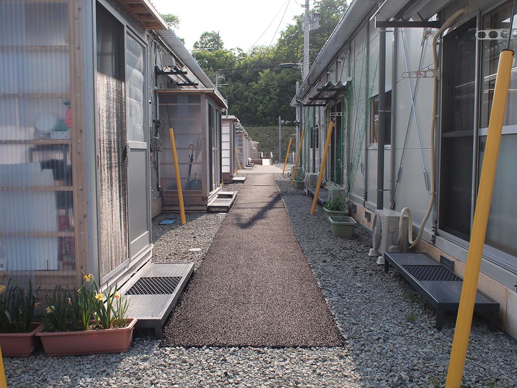 少しずつ進化する仮設住宅