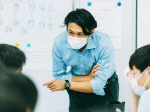 「探究」とは?探究学習がつくる教育の未来に迫る