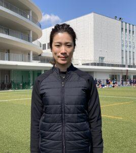 日本代表チームで13年間プレー。追手門学院大学と追手門学院高校の女子ラグビー部を率いる辻本つかさ監督