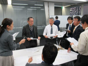 危機管理広報への備え。広報課も参加した教職員による図上訓練の様子