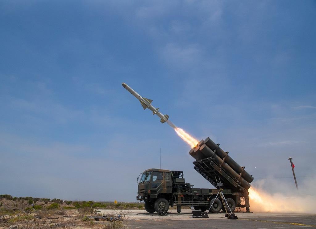 地対艦誘導弾の発射訓練の様子